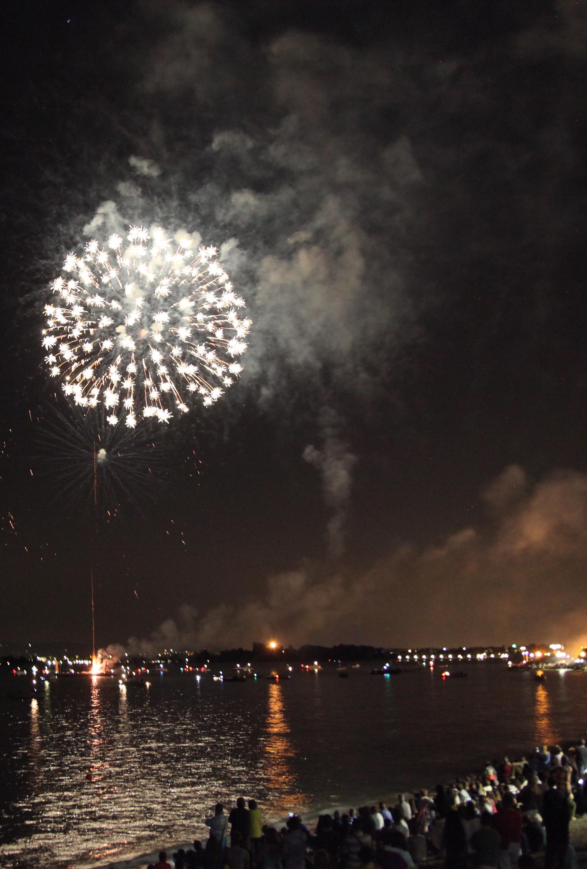vista fuochi d'artificio dall'alto